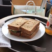 Chicken Mayo-Ham & Cheese Sandwich (80.000vnd)