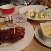 Lần đầu tiên đến El Sol, món Steak với đa dạng xốt tự chon cùng thịt bò mềm ngon. Quả thật sự lựa chọ n đúng đắn cho ngày thứ 2 thiếu năng lượng.