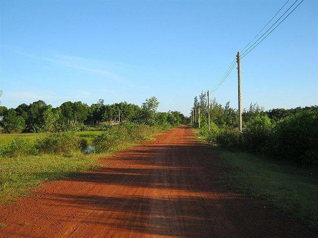 Image result for Đoạn con đường đất đỏ dẫn đến Biển Suối Ồ