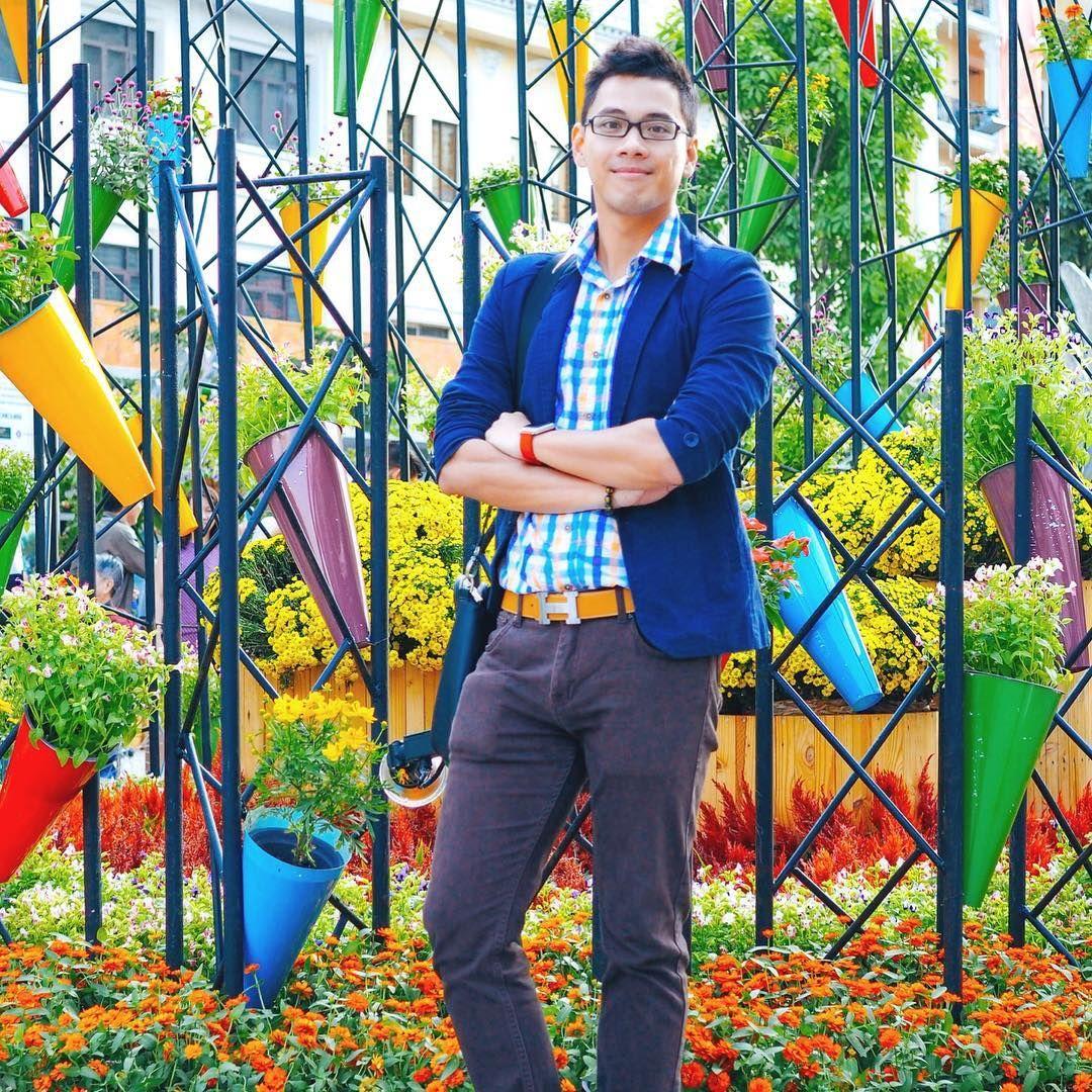 Địa điểm Đường Hoa Nguyễn Huệ đặc biệt phù hợp cho các khách tới chụp ảnh áo dài hoặc chụp ảnh gia đình tại đây.