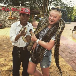 Thử cảm giác mạnh khi tham quan trang trại rắn lớn nhất VN sạt xịt SG
