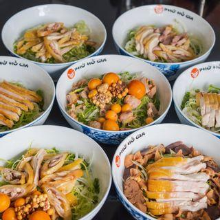 Phở Hồ Gia - Đặc sản phở gà Đông Tảo - Hương vị phở gia truyền nổi tiếng đã có mặt tại Đà Lạt