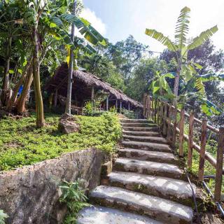 [ĐN] Một thoáng bình yên tại quán cafe ẩn mình giữa núi rừng siêu lãng mạn