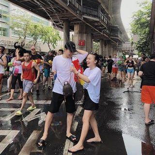 """Đâu chỉ Thái Lan, Đà Nẵng cũng có lễ hội nước vui """"banh nóc"""" đây này!"""