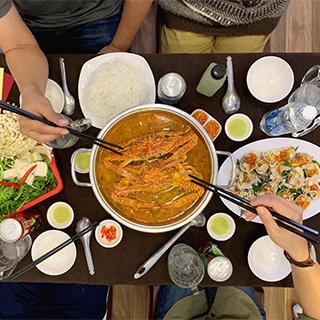 Mang cả đại dương về bàn TIỆC TẤT NIÊN HẢI SẢN dành cho các tín đồ sành ăn