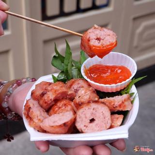 Thòm thèm trước 8 quán nem nướng ngon, lạ miệng ở Sài Gòn