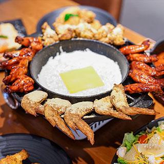 Lăn tròn trong thế giới gà Hàn Quốc ngập tràn phô mai chính hiệu của Goobne Chicken
