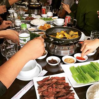 """Nhà hàng chả cá Hà Thành: """"Chúng tôi luôn lịch sự nhắc khách hàng không hút thuốc"""""""