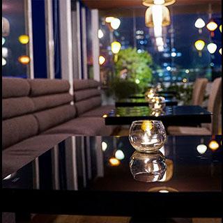 Ngỡ ngàng với khung cảnh Hội An lãng mạn trên tầng thượng ngắm nhìn toàn Sài Gòn tại quận 6