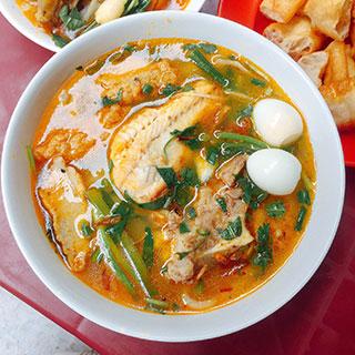 (HCM) Ấm bụng tô bánh canh cá lóc đầy sụ đậm chất Huế ở Sài Gòn