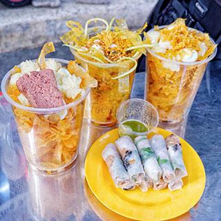 (HCM) Đúng là không đâu đã như Sài Gòn, bánh tráng vừa ngon lại rẻ