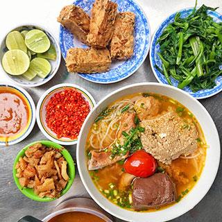 (HCM) Bún riêu ngon nhất quận Phú Nhuận trong 20 năm tuổi