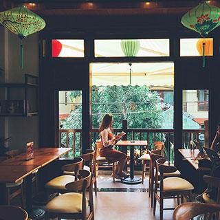 Ngỡ ngàng với King Coffee Hội An đầy thơ mộng đốn rụng tim du khách