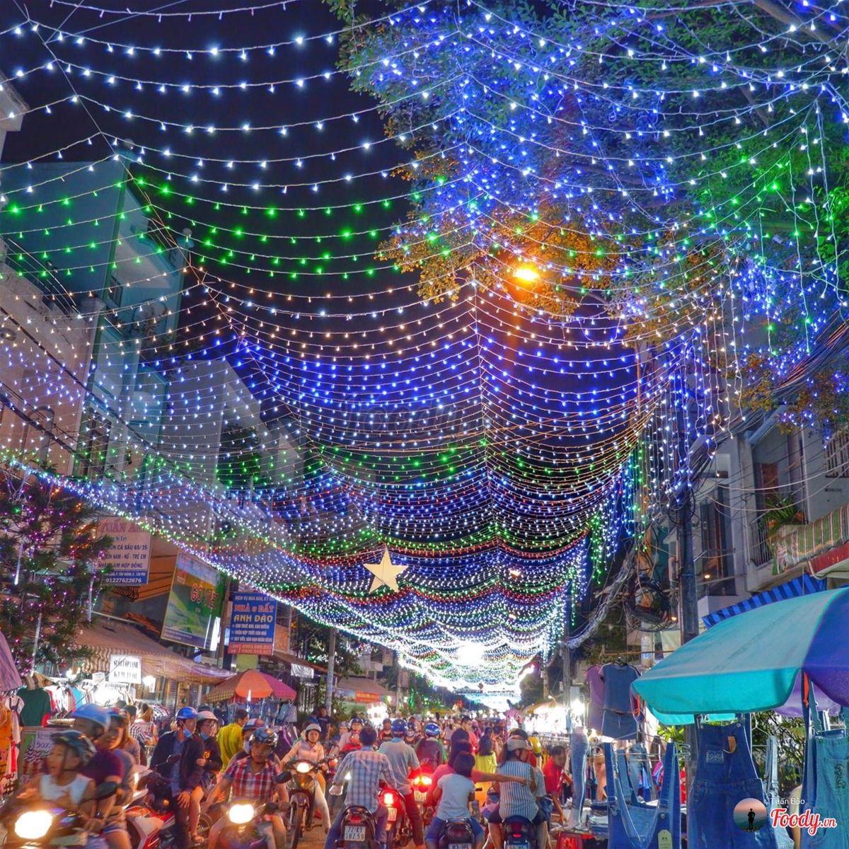 Lên hình Noel đẹp như châu Âu tại khu xóm đạo hot nhất Sài Gòn