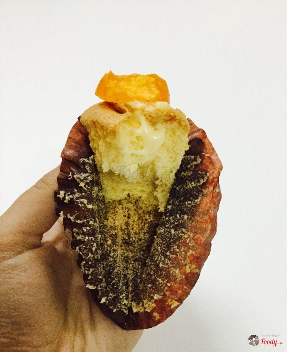Bông lan trứng muối-Jun's bakery