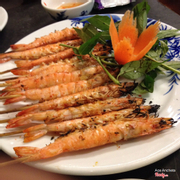 Grilled shrimp in salt and chili