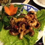 Grilled squid in salt and chili