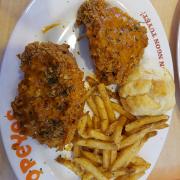 Combo gà phô mai 2 miếng và khoai bánh
