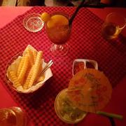 Không gian quán đẹp , lãng mạn vào ban đêm thích hợp cho các cặp đôi để hẹn hò . Thức uống quá bình thường (theo bản thân mình thì không ngon) , giá cả hơi cao và thức ăn hơi ít .