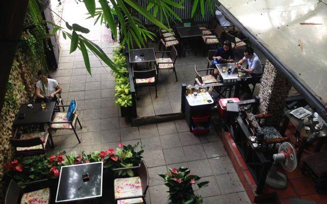 Thềm Xưa Cafe - Nguyễn Cảnh Chân