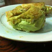 Su kem trà xanh (ăn dang dở mới chụp nên hơi bừa bộn hix)