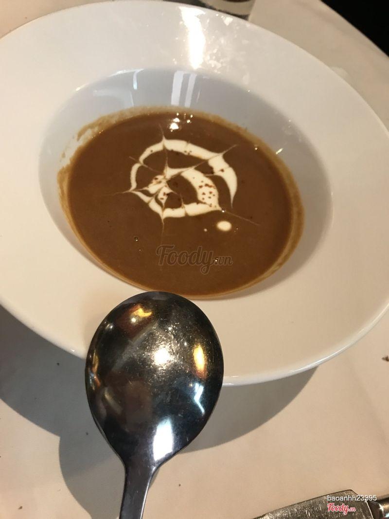 soup tôm hùm rất là đặc trưng vị gạch tôm nghen mà k có béo kem nha