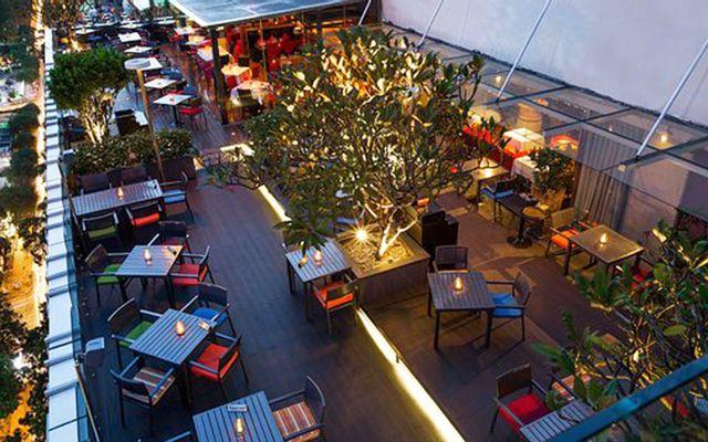 Shri - Rooftop Restaurant & Lounge