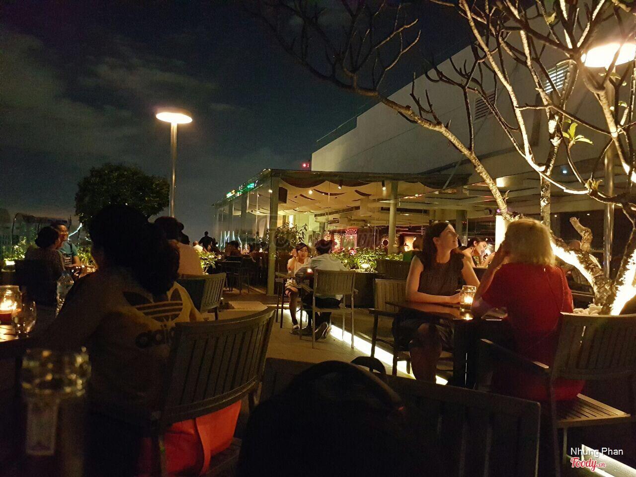 shri-cafe-san-thuong-sai-gon-12