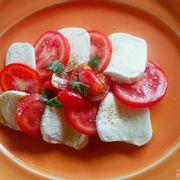 Mozzerella e pomodori alla Caprese 230k++