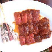 Bò cuộn phô mai & tôm xiên cuộn bacon