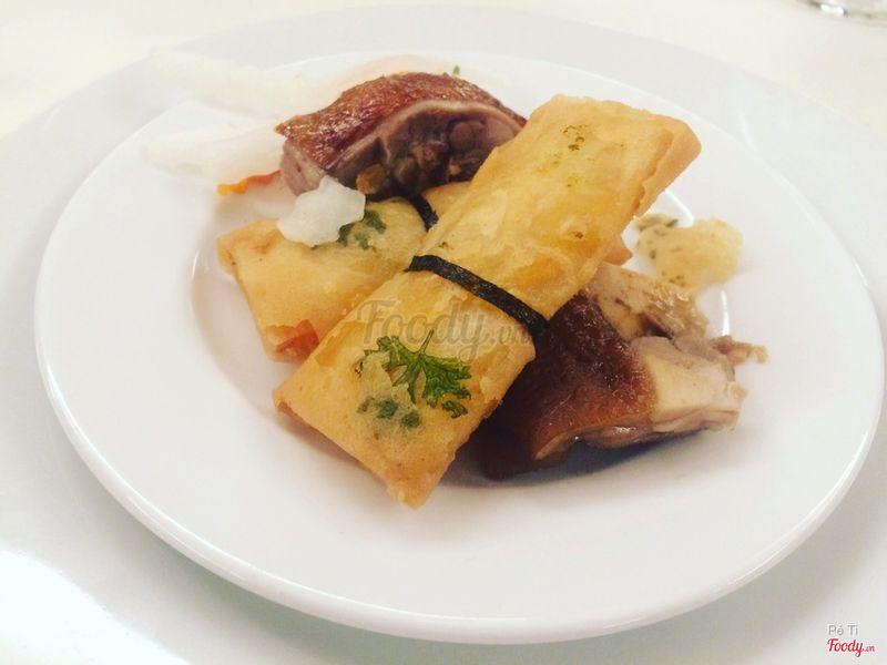 Khai vị thập cẩm đặc biệt Hoa Việt