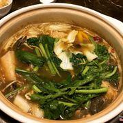 lẩu nấm gà hmong
