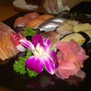 Sashimi + sushi set 750.000