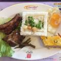 Cơm tấm sườn non + chả + trứng gà opla