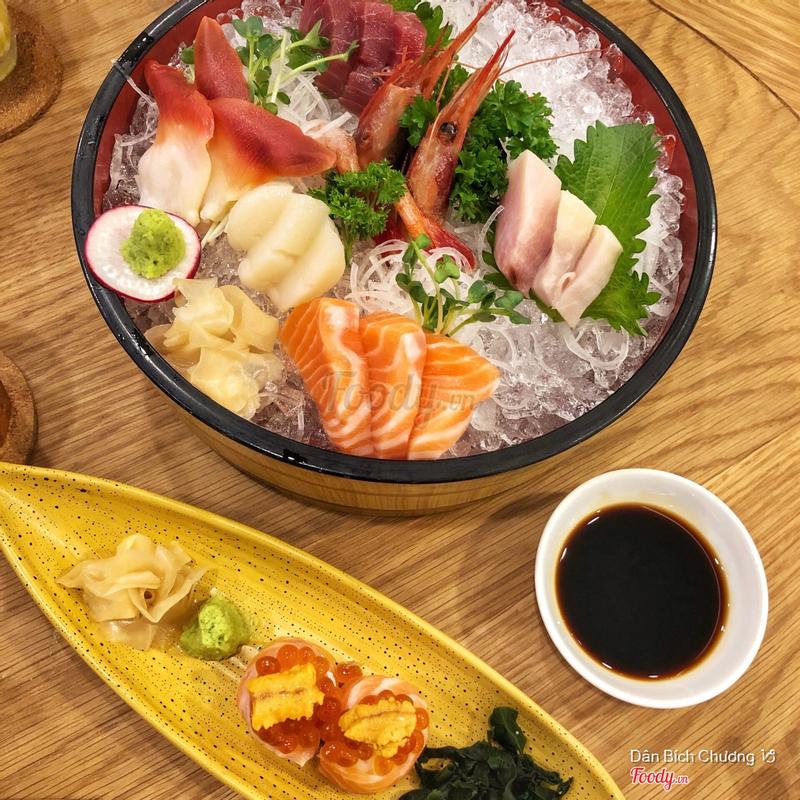 Enoki Sashimi Set & Sake Ikura Uni Gunkan