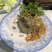 Lươn đùm, ăn kèm bánh đa