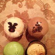 Tiramitsu, matcha, chocolate, yogurt