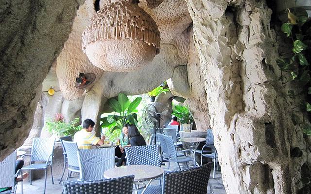Phong Nha Cafe