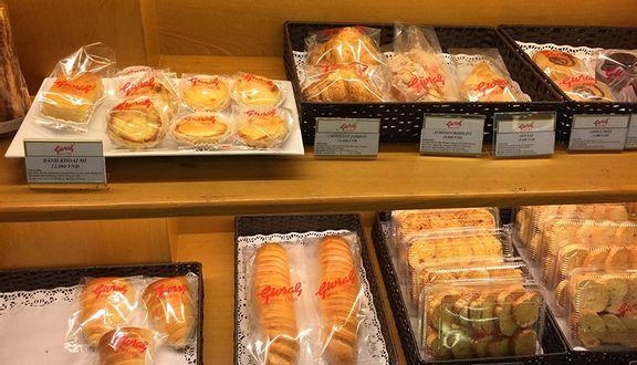 Sài Gòn Givral Bakery - Phan Xích Long