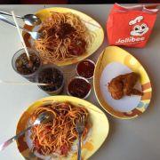 Spagetti với gà Sài gòn sôt cay