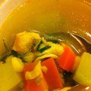 Canh súp có cả thịt gà luôn nha