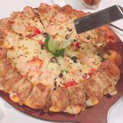 pizza viền phomai