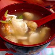 Soup tomyum chua cay hải sản