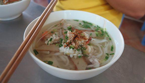 Lê Giang - Bánh Canh Ghẹ & Hải Sản