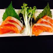 Sake sashimi (sashimi cá hồi)