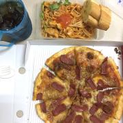 Pizza ngon và mỳ ý sốt gà cũng vậy ❤️