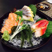 sashimi cá hồi - cá trích ép trứng - ốc đỏ