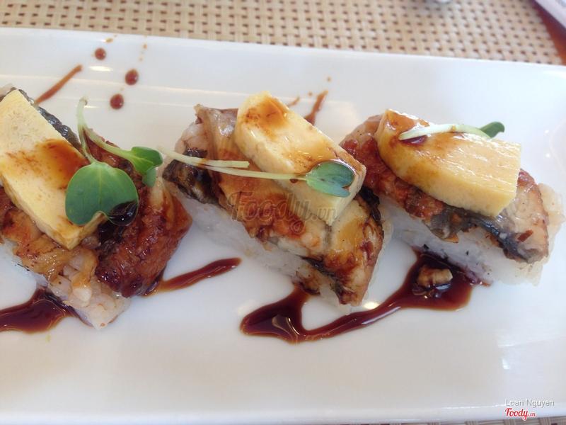 Cơm cuộn lươn