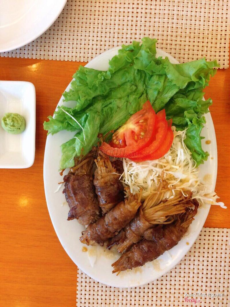 Thịt bò Mỹ cuộn nấm kim châm