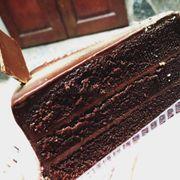 Hỷ Lâm Môn bakery.